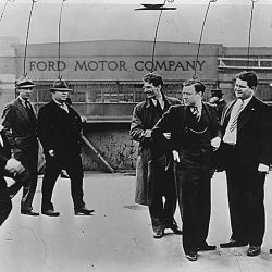 Labor:Strike:Ford Motor Company:Walter Reuther fifth from the left:Richard Frankensteen sixth from the left