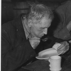 WPA: unemployed shown at Volunteers of America Soup Kitchen: Washington, D.C.