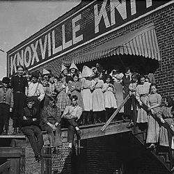 "All are workers in Knoxville Knitting Mills. Smallest boy ""ravels"", smallest girl is a steady worker. Knoxville, Tenn."
