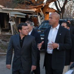 [Hurricane Katrina] New Orleans, LA, 02-3-06 -- As he walks through the 9th Ward with King Abdullah II bin Al-Hussein, Mayor Ray Nagin explains what happen in 9th Ward neighborhood when Hurricane Katr