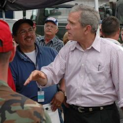 [Severe Storms, Tornadoes, and Flooding] GREENSBURG, KS, 5-7-07 -- President Bush visits with the many volunteers and members of local, state and federal agencies including FEMA who came to help the p