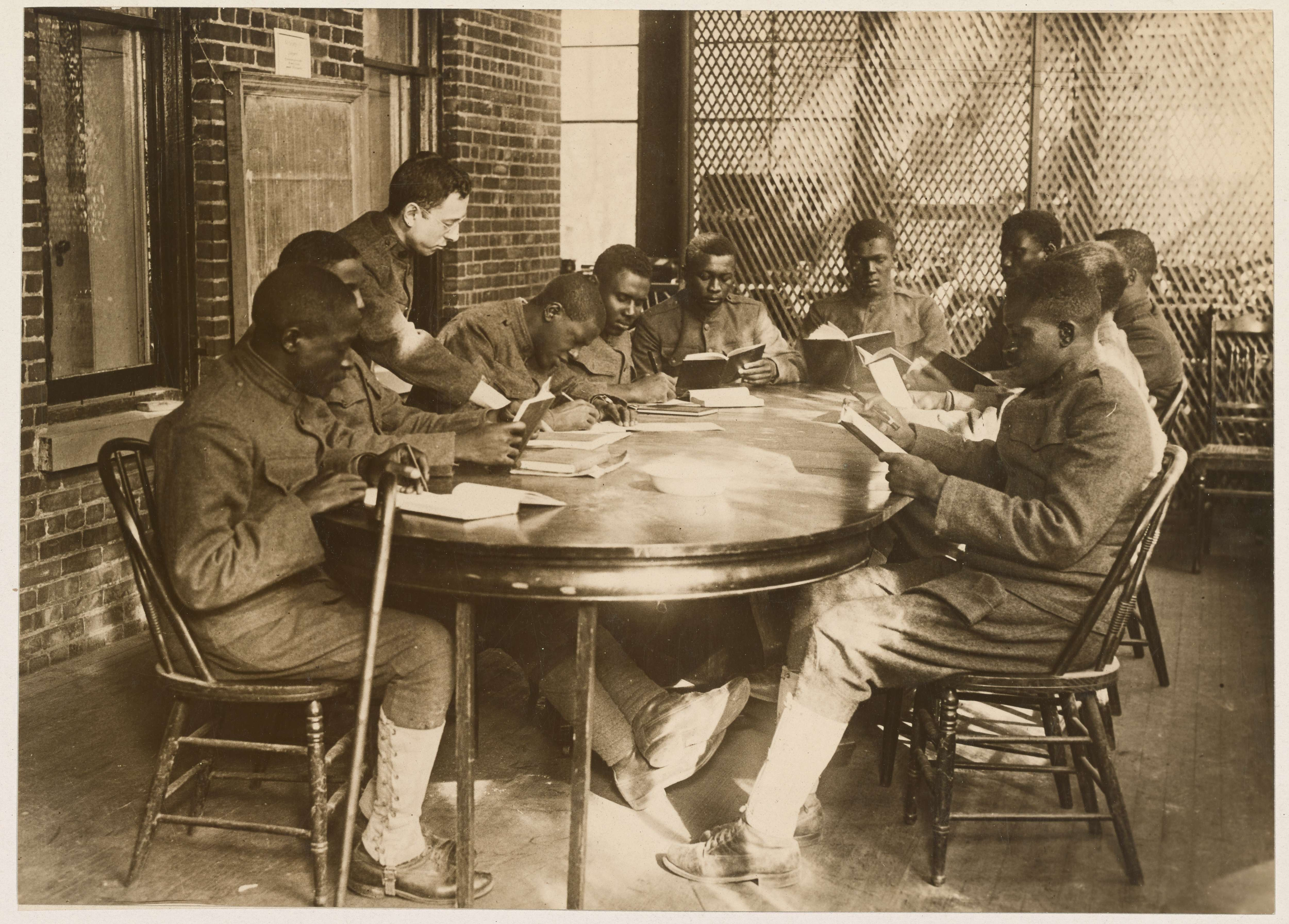 Medical Department - Restoration Work - Education and Rehab - United States General Hospital Number 9, Lakewood, New Jersey. Wounded American soldiers being taught how to read and write