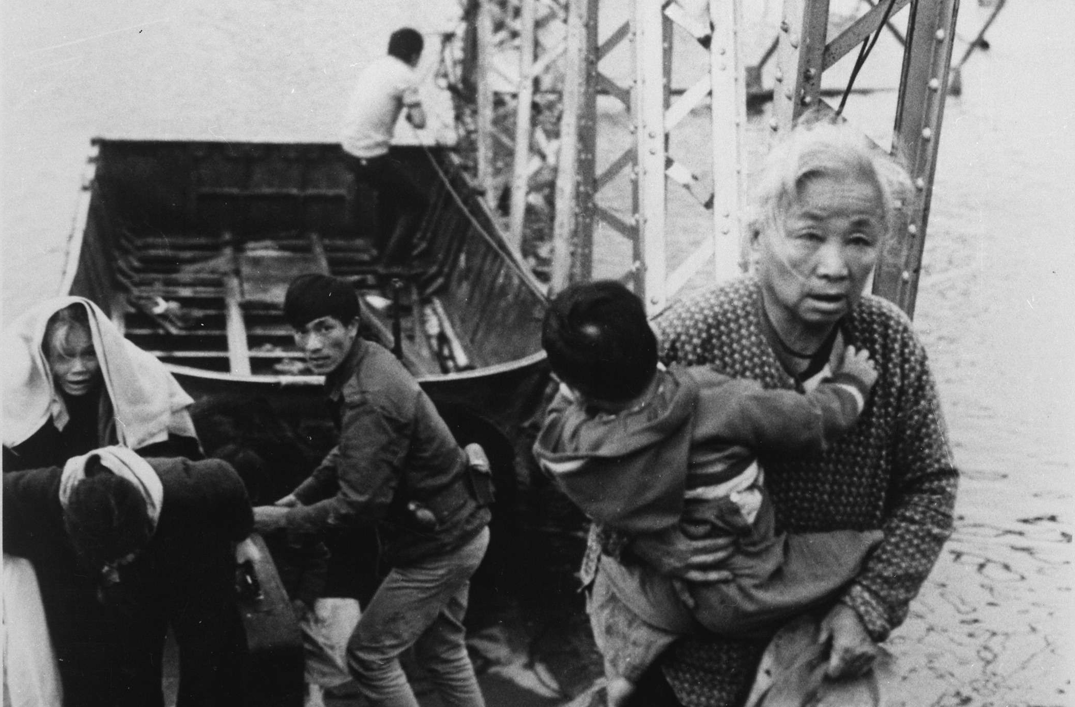 Fleeing the Tet Offensive Fighting in Hue